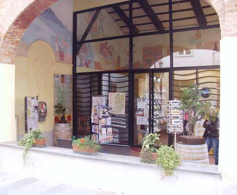 In Ufficio Turismo : Manca il personale chiuso da giorni l ufficio turistico risoluto