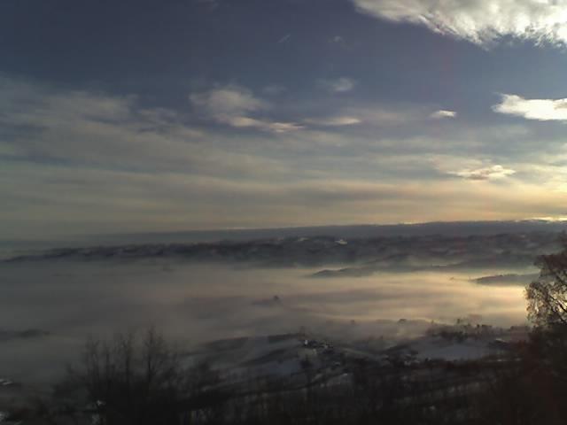 Mare di nebbia da piazza Martiri